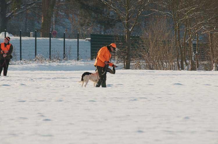 Begutachtung der Beute, 18.12.2010 Foto: Karl Heinz Beck