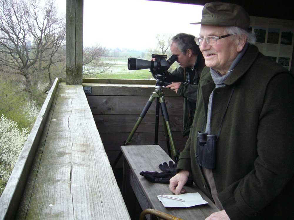 Heinz Herkenrath im April 2008, aufgenommen bei einer Exkursion in den Ahsewiesen (Ekkehard van Haut)